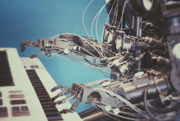 Roboter als Darstellung für Programmatic Advertising